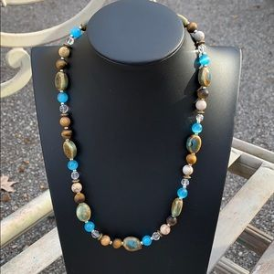 Necklace Stone/baby blue beads